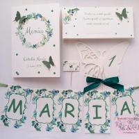 Papetarie de botez cu flori, buline si fluturi verzi