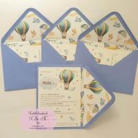 Invitatii de botez cu balon cu aer cald bleu, verde, galben cod305